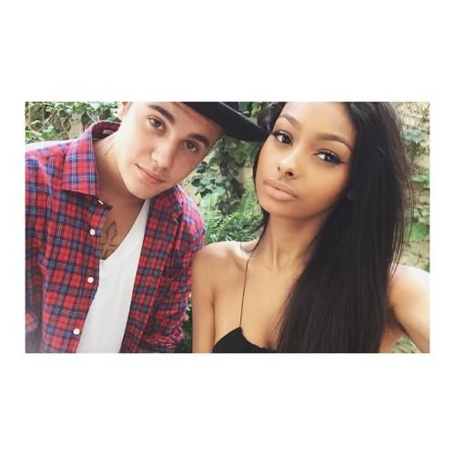 Beauty Vlogger Jayde Pierce pictured with pop singer Justin Bieber.